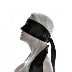 Schwarzer Reiter Blindfold female